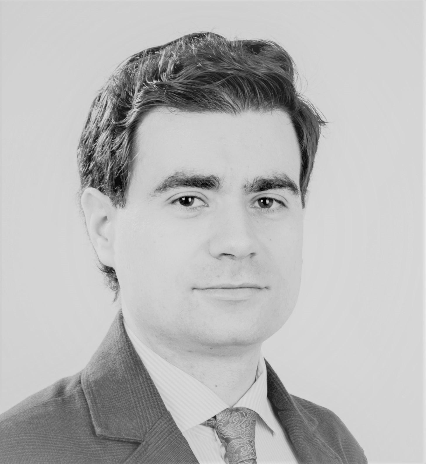 Iulian Sirbu_alb negru